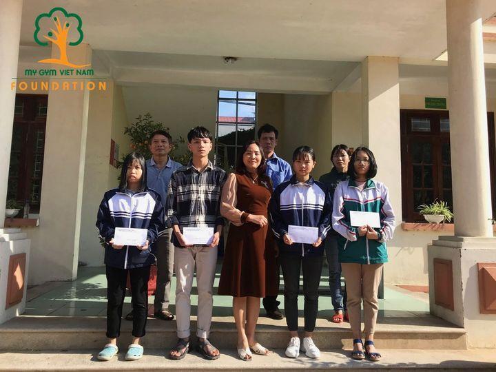 My Gym trao học bổng cho các em học sinh trường THCS Trí Qủa – Bắc Ninh.